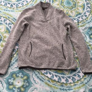 Eddie Bauer Women's Gray Large VNeck Sweater Gray
